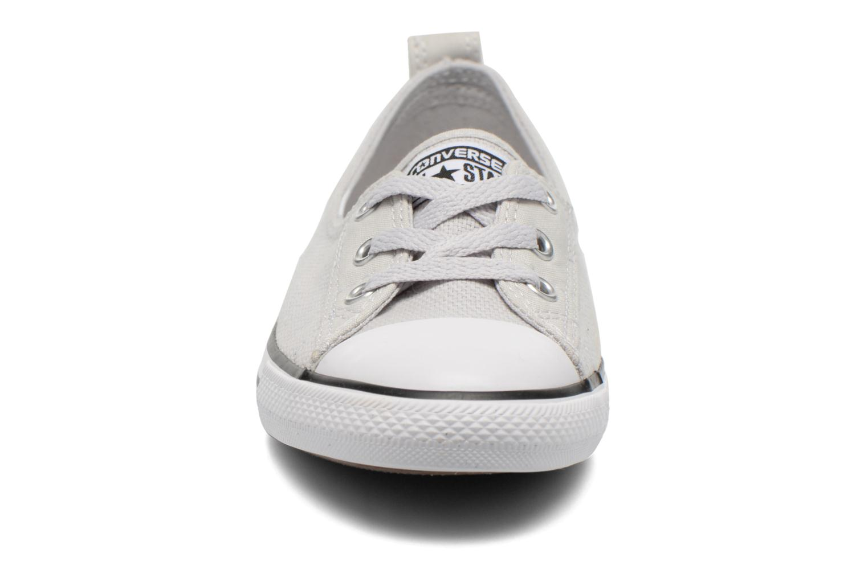 Baskets Converse Chuck Taylor All Star Ballet Lace Gris vue portées chaussures