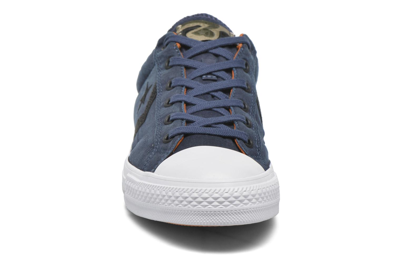 Baskets Converse Star Player Ox M Bleu vue portées chaussures