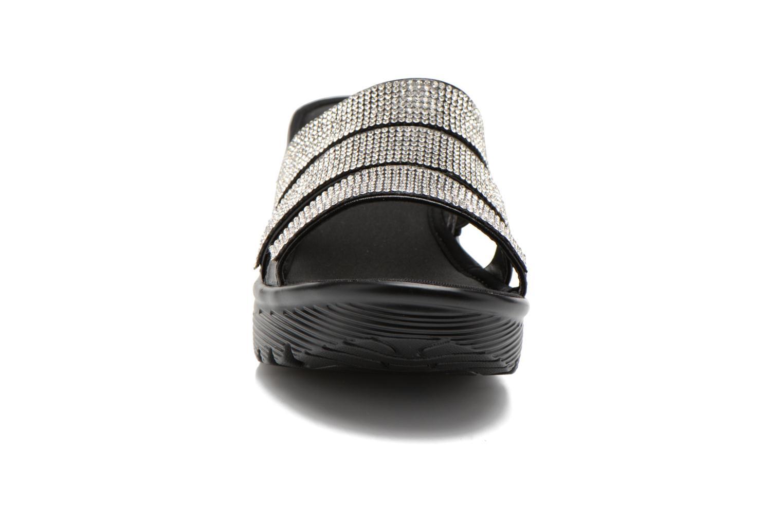 Zuecos Skechers Parallel - Sparkle Eyes 38462 Negro vista del modelo