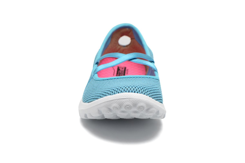 Ballerines Skechers On-The-Go - Point 13811 Bleu vue portées chaussures