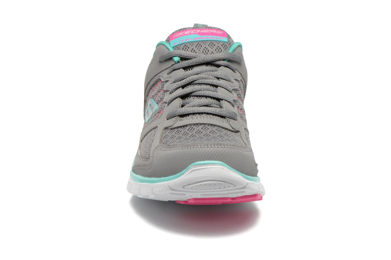 Chaussures de sport Skechers Flex Appeal 12452 Gris vue portées chaussures