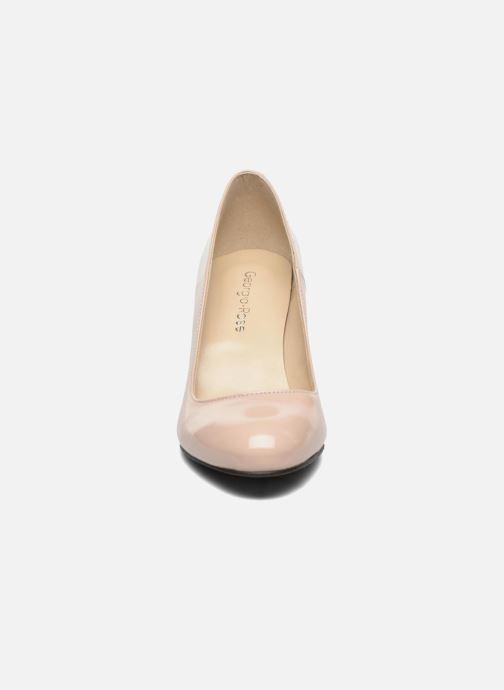 Zapatos de tacón Georgia Rose Selina Beige vista del modelo