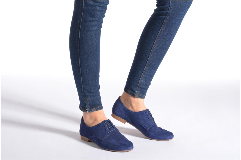 Chaussures à lacets André Fabuleux P Bleu vue bas / vue portée sac
