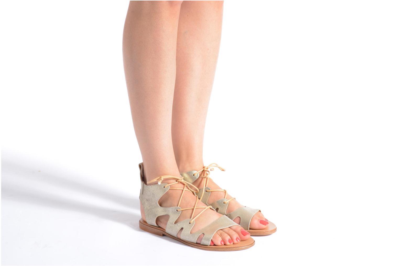 Sandales et nu-pieds André Nala Or et bronze vue bas / vue portée sac