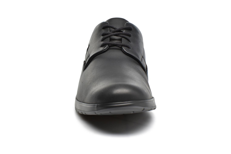 Baskets Mephisto VALERIO Noir vue portées chaussures