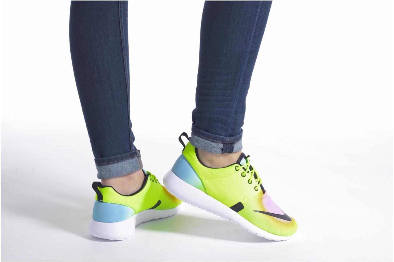 Baskets Nike Nike Roshe One Fb (Gs) Jaune vue bas / vue portée sac