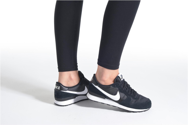Baskets Nike Nike Internationalist (Gs) Noir vue bas / vue portée sac