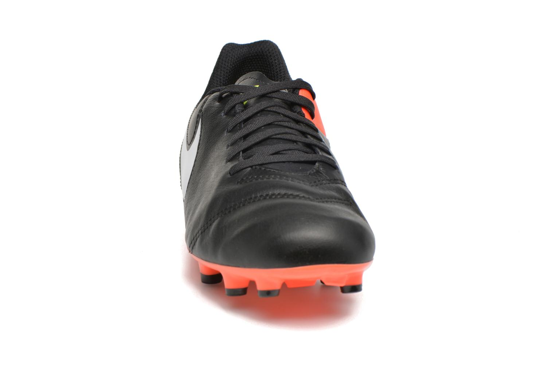 Chaussures de sport Nike Jr Tiempo Legend Vi Fg Noir vue portées chaussures