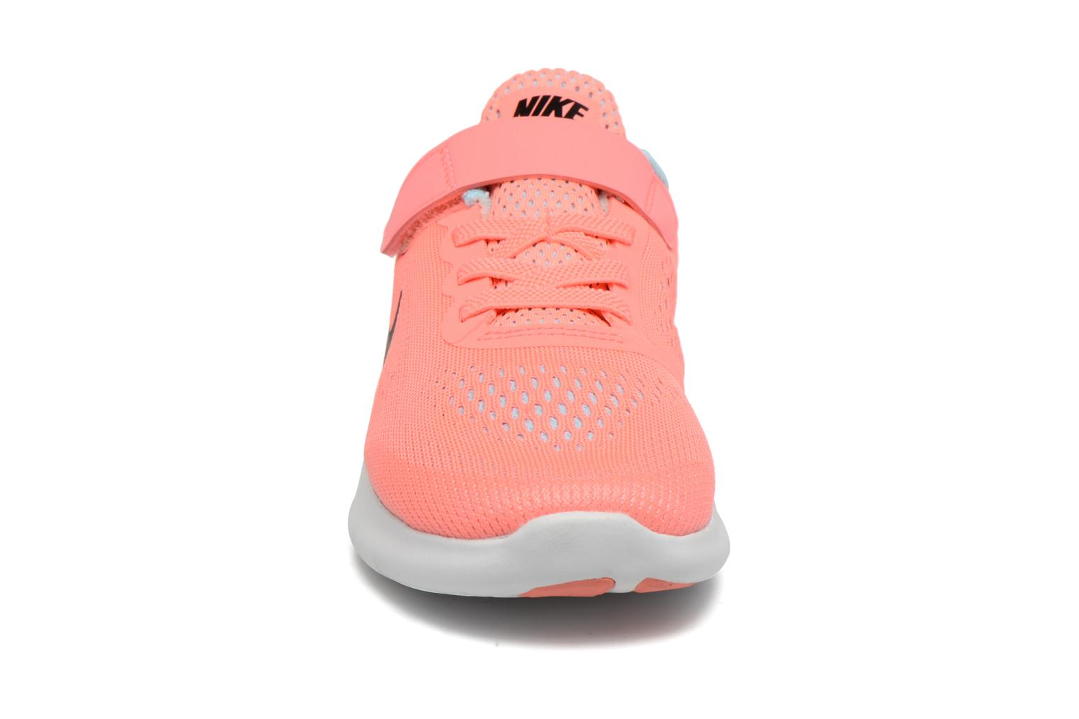 Baskets Nike Nike Free Rn (Psv) Rose vue portées chaussures