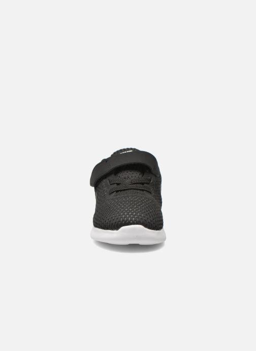 Deportivas Nike Nike Free Rn (Tdv) Negro vista del modelo