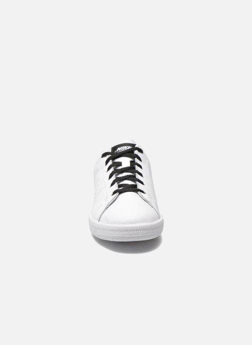 Sneaker Nike Tennis Classic Prm (Gs) weiß schuhe getragen