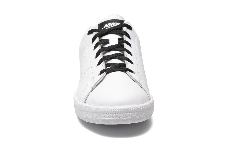 Baskets Nike Tennis Classic Prm (Gs) Blanc vue portées chaussures