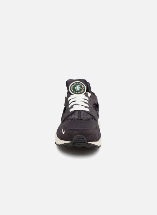Baskets Nike Nike Air Huarache Run Prm Gris vue portées chaussures