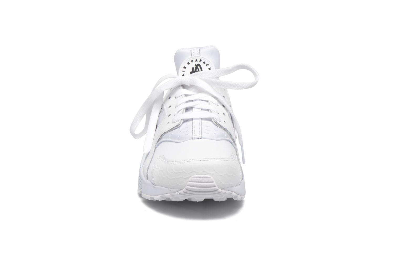 Sneakers Nike Nike Air Huarache Run Prm Bianco modello indossato