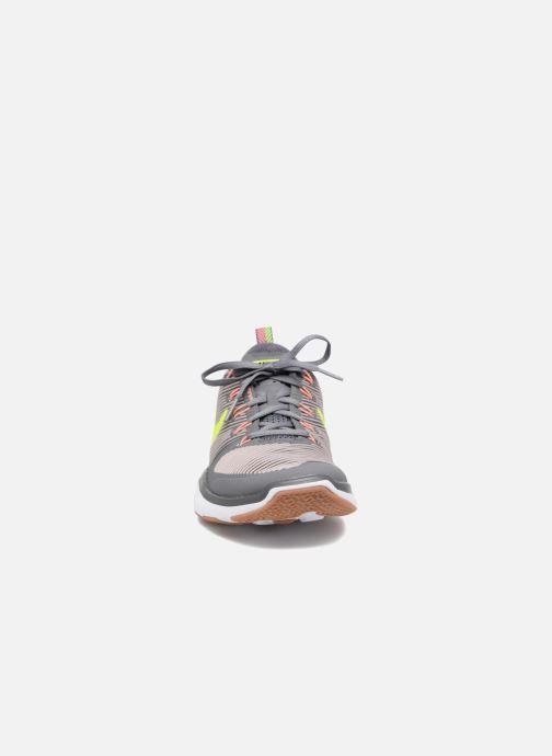 Chaussures de sport Nike Nike Free Train Versatility Gris vue portées chaussures