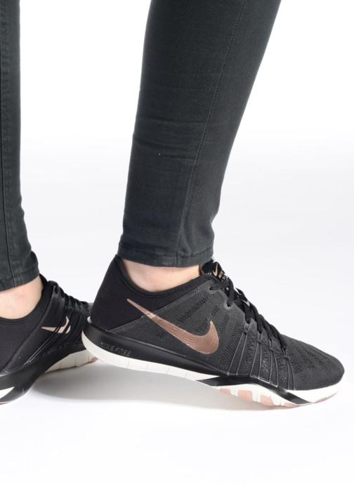 Sport shoes Nike Wmns Nike Free Tr 6 Black view from underneath / model view