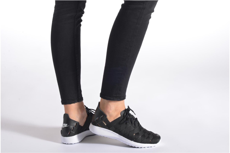 Baskets Nike W Nike Juvenate Woven Noir vue bas / vue portée sac