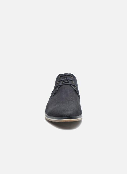Scarpe con lacci I Love Shoes SUPERAS Azzurro modello indossato