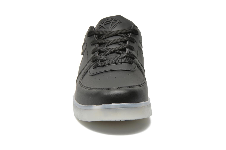 Baskets Cash Money CMC 37 Noir vue portées chaussures