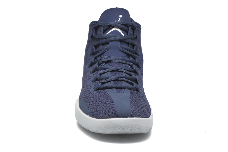 Chaussures à lacets Jordan Jordan Reveal Bleu vue portées chaussures
