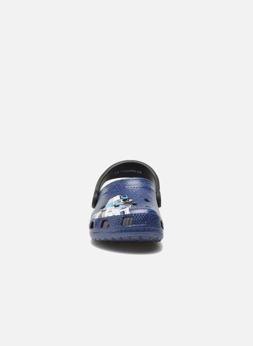 Sandalias Crocs Classic Star Wars R2D2 C3PO Azul vista del modelo