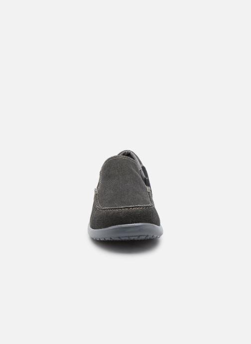Sneakers Crocs Santa Cruz 2 Luxe M Nero modello indossato