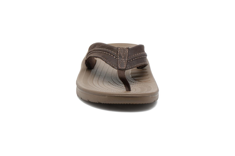 Tongs Crocs Yukon Mesa Flip M Marron vue portées chaussures
