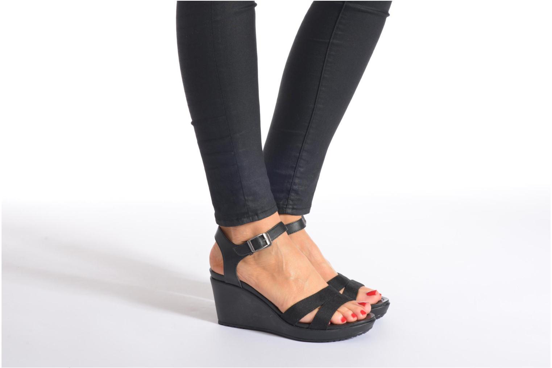 Sandales et nu-pieds Crocs Leigh II Ankle Strap Wedge Noir vue bas / vue portée sac