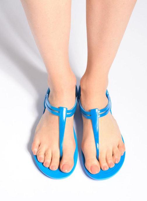 Sandales et nu-pieds Crocs Crocs Isabella T-strap Bleu vue bas / vue portée sac
