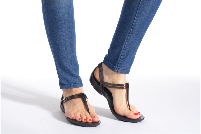 Sandales et nu-pieds Crocs Crocs Isabella T-strap Marron vue bas / vue portée sac