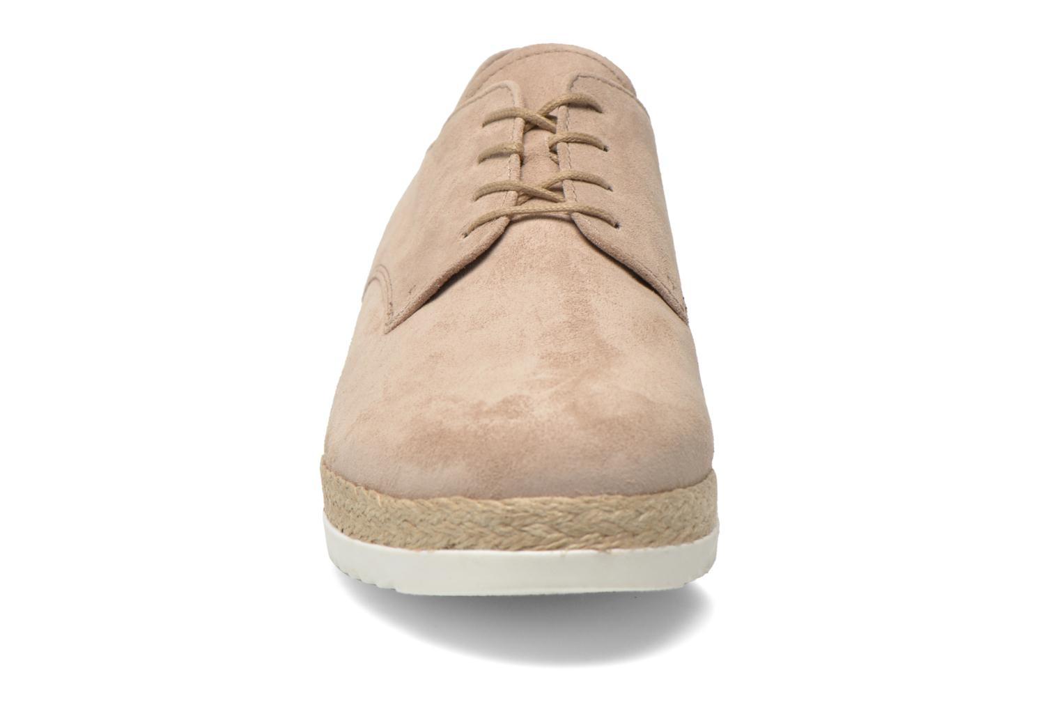 Lace-up shoes Gabor Lilo Beige model view