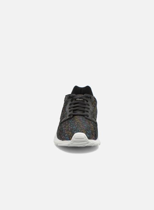 Baskets Le Coq Sportif Lcs R900 W Rainbow Jacquard Noir vue portées chaussures