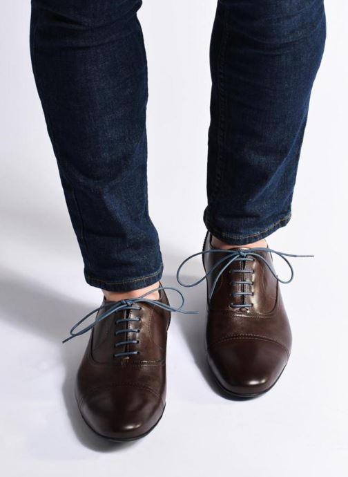 Chaussures à lacets Mr SARENZA Nathan Marron vue bas / vue portée sac