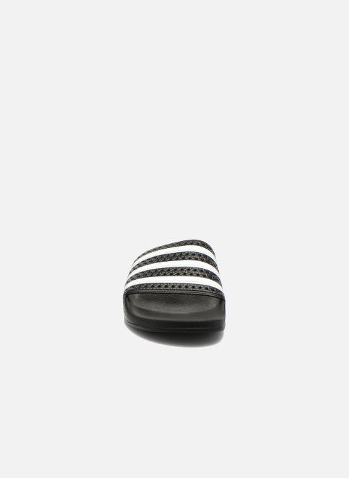 Sandalen adidas originals Adilette schwarz schuhe getragen