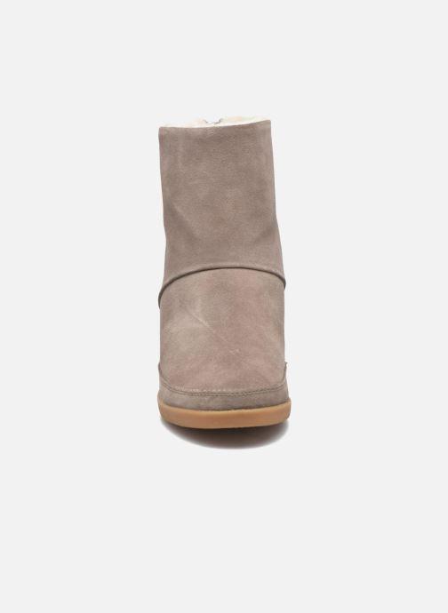 Bottines et boots Shoe the bear Emmy Fur Beige vue portées chaussures