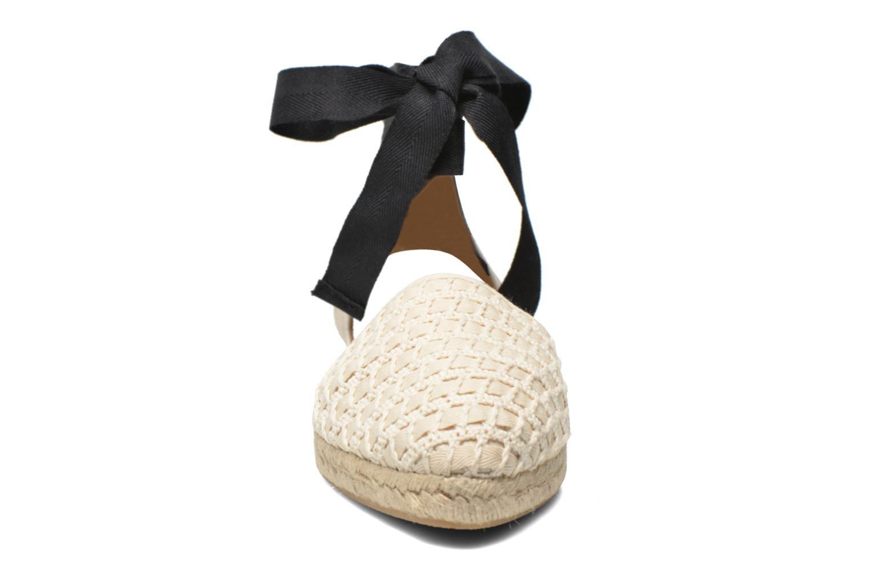 Sandales et nu-pieds Georgia Rose Dalore Beige vue portées chaussures