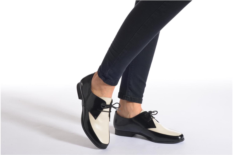 Chaussures à lacets Aldo Flyta Noir vue bas / vue portée sac