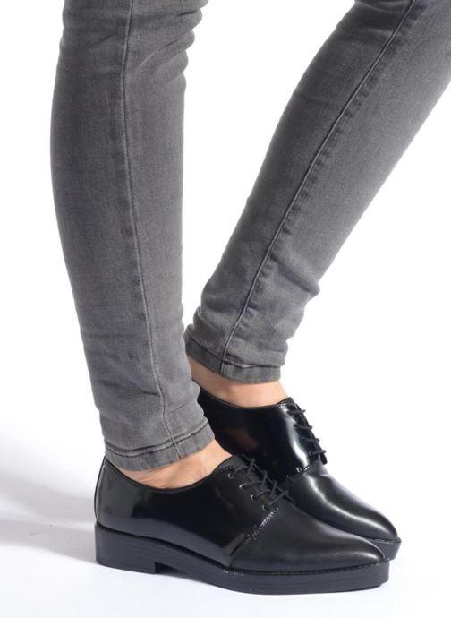 Chaussures à lacets Aldo Monnacco Beige vue bas / vue portée sac