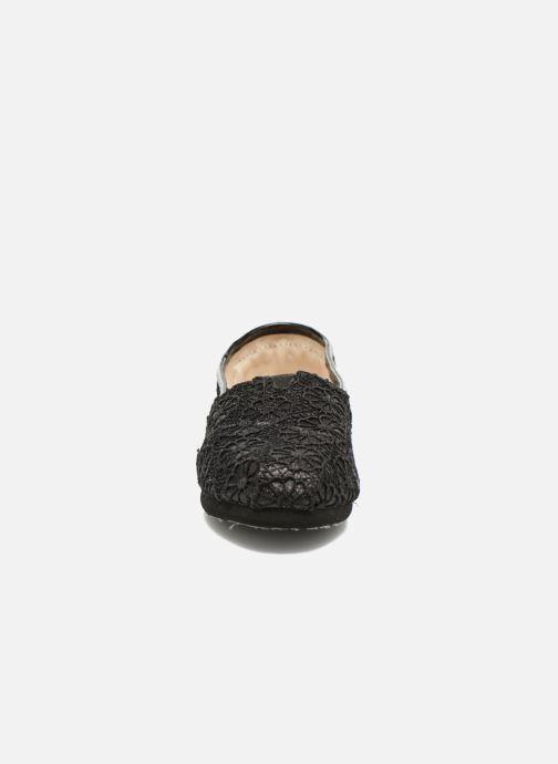Baskets TOMS Seasonal Classics Noir vue portées chaussures