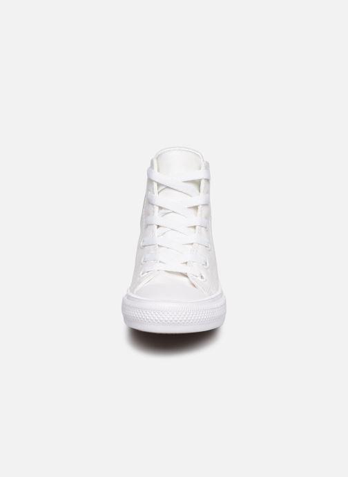 9fe9deb10892 Baskets Converse Chuck Taylor All Star II Hi Blanc vue portées chaussures