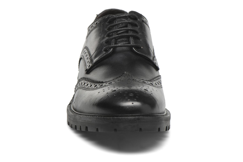 Chaussures à lacets Base London Trench Noir vue portées chaussures