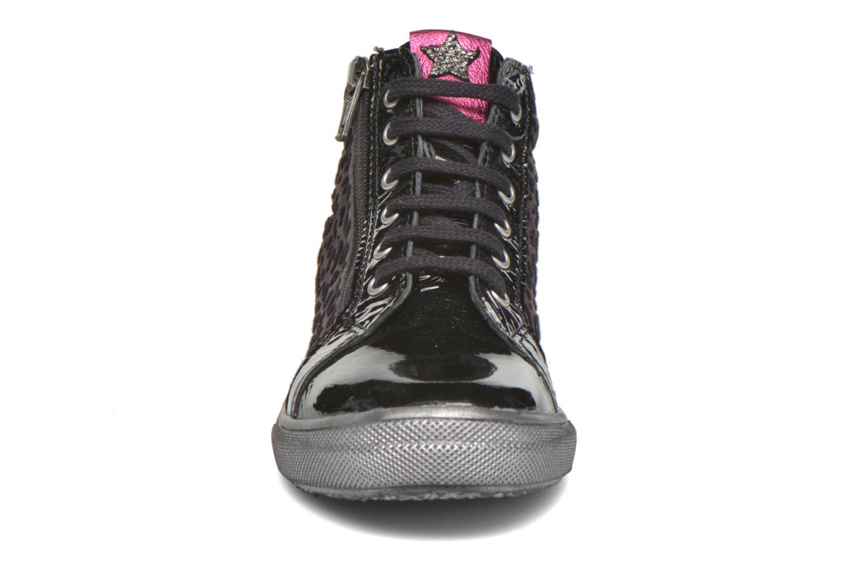 Sneakers Bopy Somimi Nero modello indossato