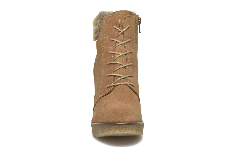 Bottines et boots Bullboxer Daya Beige vue portées chaussures
