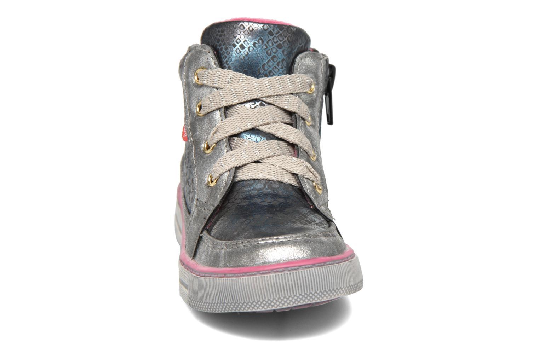 Sneakers NA! Rimel Argento modello indossato