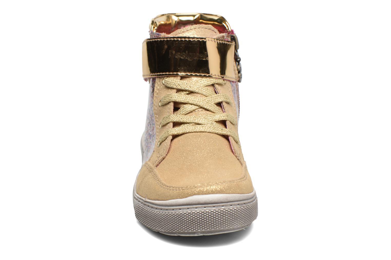Baskets Desigual Rask Or et bronze vue portées chaussures
