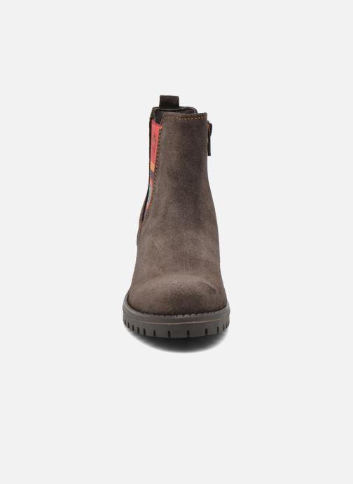Bottines et boots Desigual Chelsea Marron vue portées chaussures