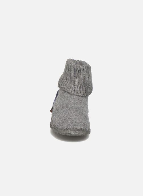 Pantofole Giesswein Kramsach2 Grigio modello indossato