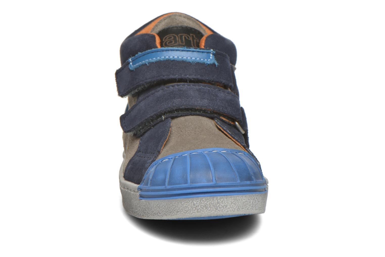 Baskets Art A061 Split Bleu vue portées chaussures