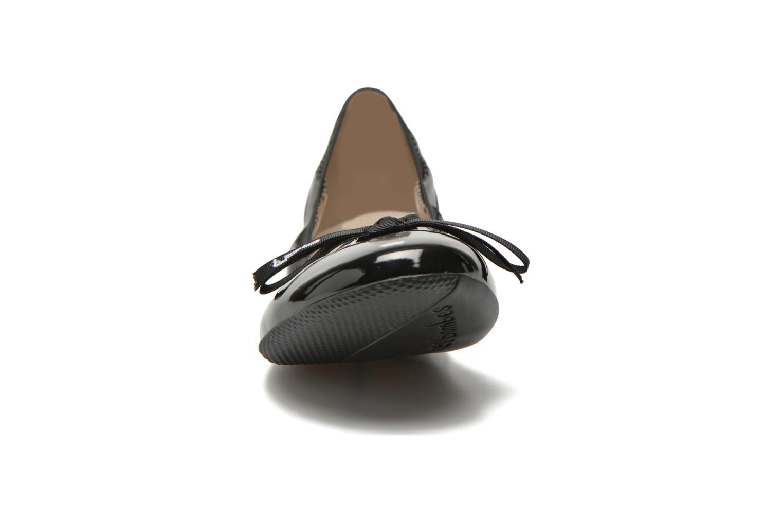 Ballerines Les P'tites Bombes Ella V. Noir vue portées chaussures