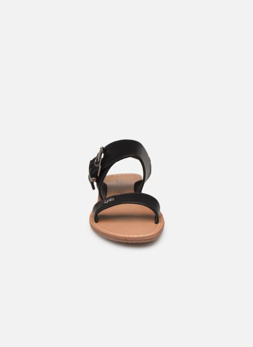 Sandali e scarpe aperte Les P'tites Bombes Pervenche Nero modello indossato